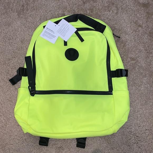 NWT Lululemon highlighter yellow New Crew bckpck🍋